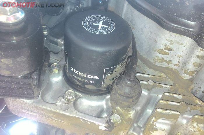 Filter oli Honda Forza ada di kiri depan CVT