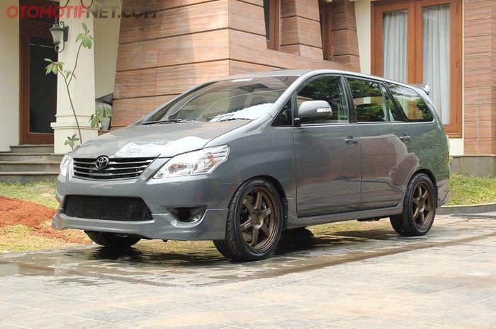 Ilustrasi Toyota Kijang Innova G 2008