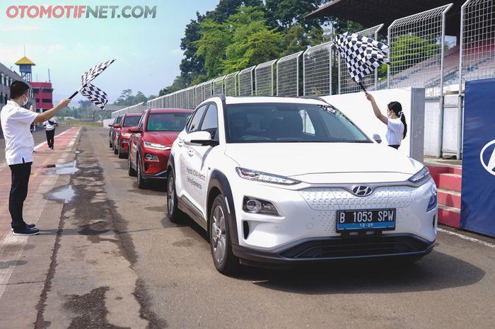 (Ilustrasi) Hyundai Track Day 2021, menjajal mobil listrik Ioniq dan Kona Electric di sirkuit Sentul