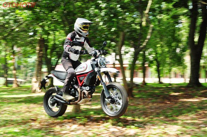 Test ride Scrambler Ducati Desert Sled