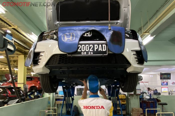 Servis Berkala Honda City Hatchback di Bengkel Resmi Honda Pondok Indah, Jakarta Selatan