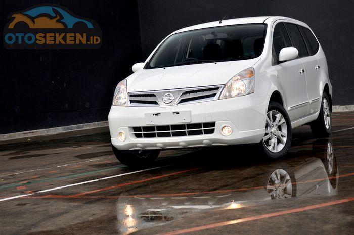 Nissan Grand Livina 2011
