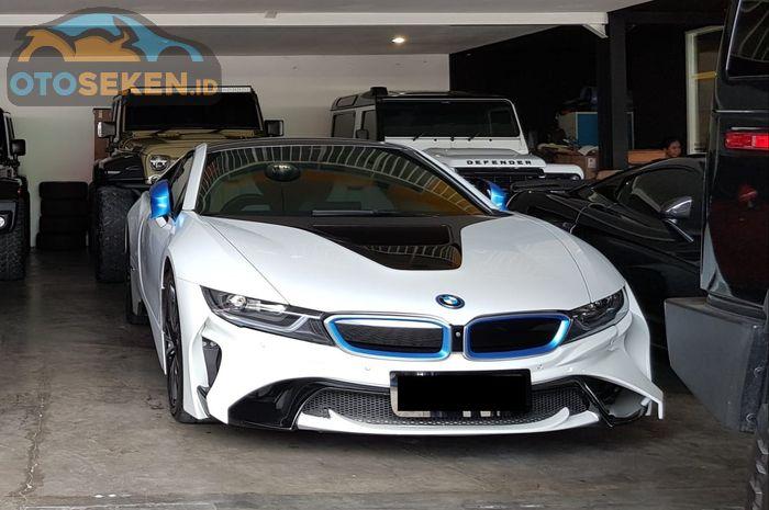 BMW i8 bekas di Bursa Otomotif Sunter