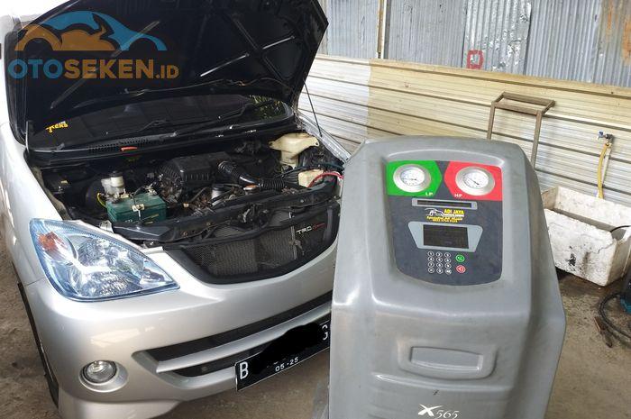Ilustrasi proses isi freon AC mobil