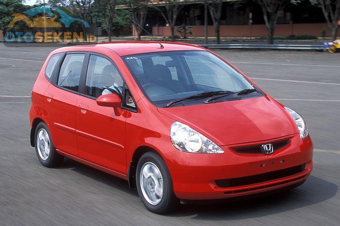 Ilustrasi Honda Jazz GD3 Generasi pertama