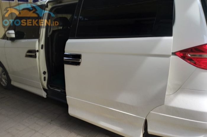 Sliding door otomatis bisa diperbaiki di Ilyas Electric Door