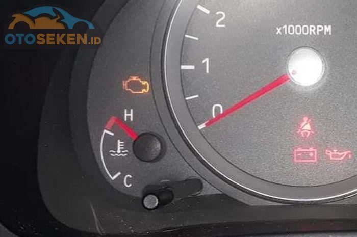 Ilustrasi mobil mengalami overheat