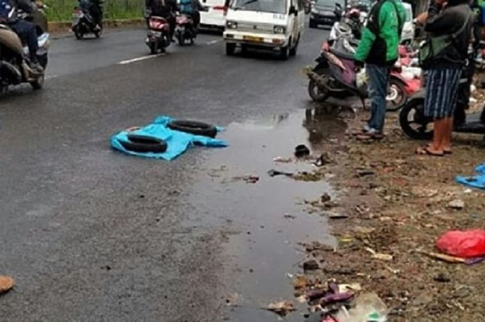 Tragis, Gara-gara Sampah Driver Ojol Meregang Nyawa di Ciputat, Penumpang Luka-luka