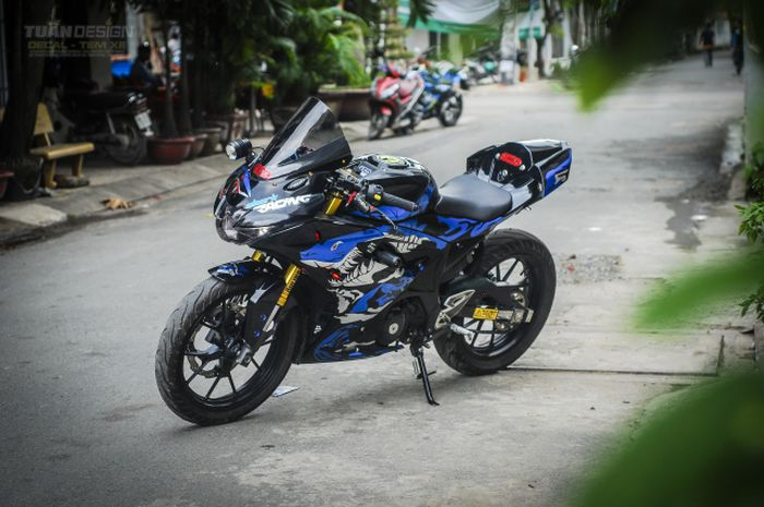 Suzuki Gsx R150 Racing Look Buntutnya Kok Mirip Yamaha R1m