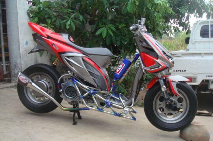 Honda Beat Karbu Dirombak Tampang Agresif Kaki Kaki Super
