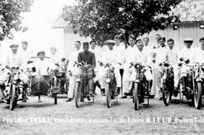 Komunitas motor pertama di Indonesia, Motorfiets Rijders Te Batavia