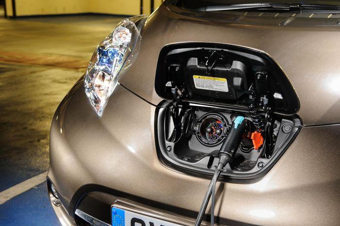 Mobil Listrik Dan Mobil Bensin Apa Saja Sih Perbedaannya Say Gridoto Com