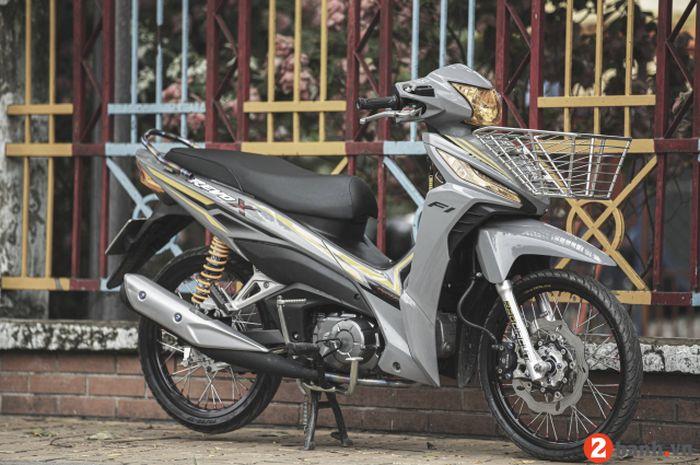 Modal Ganti Warna Dan Sisipan Part Mewah Honda Revo X Jadi Tampan Gridoto Com
