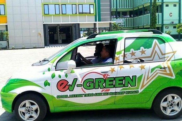 Mobil listrik ev-Green ciptaan siswa SMK NU Ma'arif Kudus