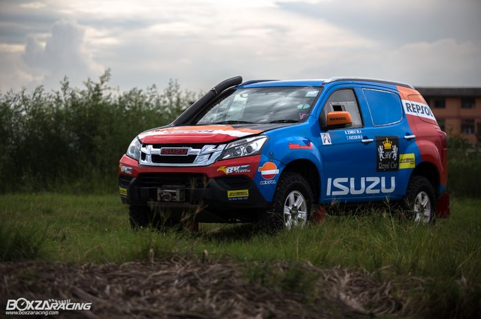 Modifikasi Isuzu MU-X jadi mobil rally
