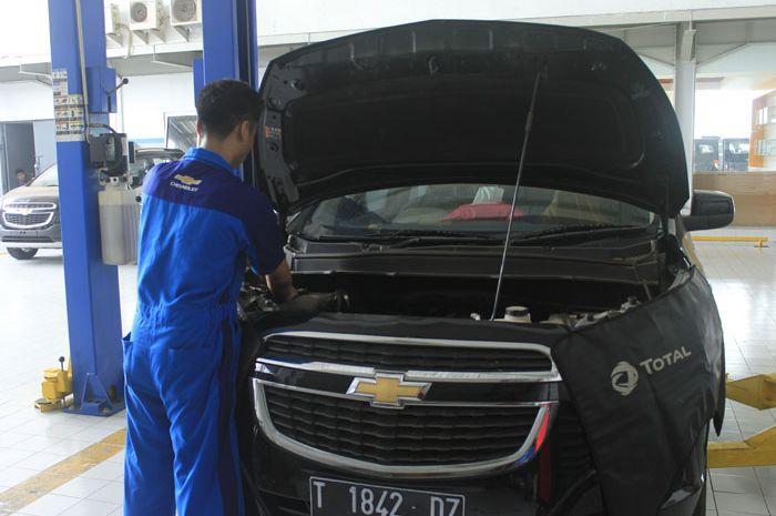 Proses service di bengkel resmi Chevrolet Citra Nusa Wahana