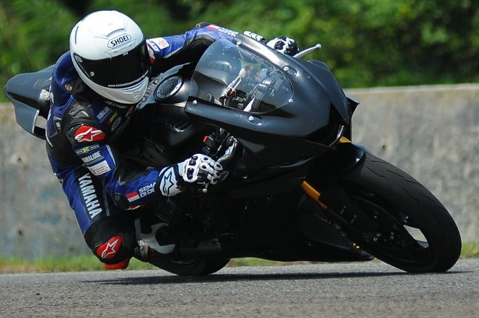 Galang Hendra akan berkompetisi dengan menggunakan Yamaha YZF-R6 di musim depan