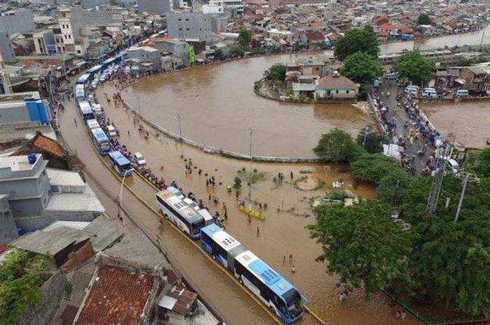 Banjir di jalan Jatinegara, Jakarta Timur