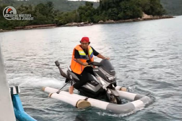 Yamaha NMAX dipaksa melaju di air dengan berbagai modifikasi yang dilakukan