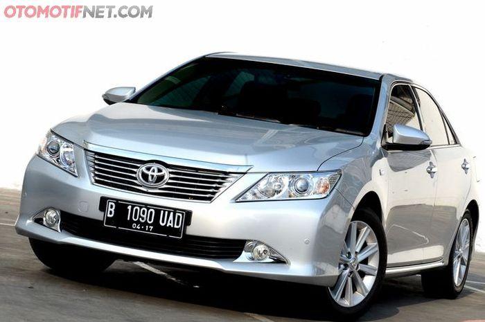 Ilustrasi Toyota Camry XV40 Bekas