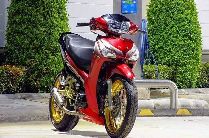 Keluarga Honda Supra Jadi Lebih Keren Setelah Kena Modif Kaki Kakinya Gridoto Com