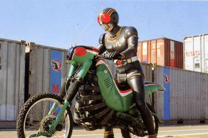 Dari Suzuki Hingga Harley Davidson Inilah Deretan Motor Asli Ksatria Baja Hitam Termasuk Si Belalang Tempur Gridoto Com