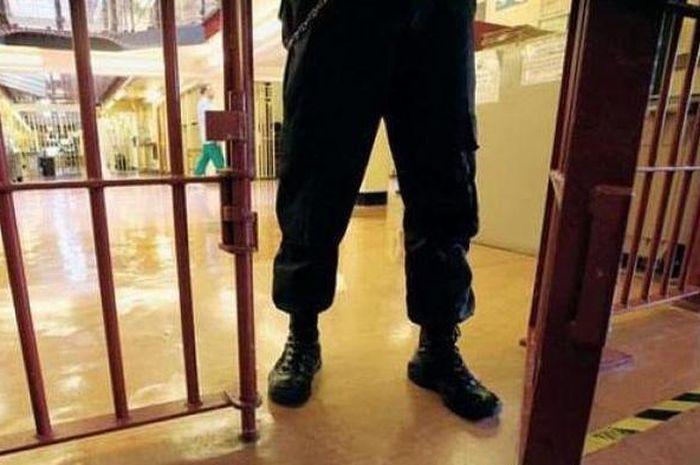 ILUSTRASI - Suasana di penjara