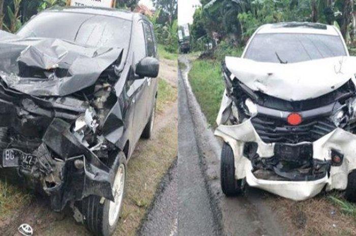 Toyota Avanza dan Daihatsu Xenia adu wajah di jalan lintas Palembang-Prabumulih, Karang Endah, Gelumbang, Muara Enim, Sumatera Selatan