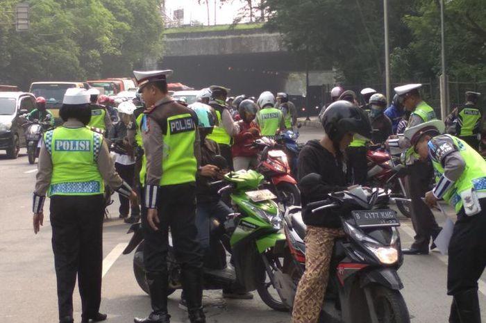 Awas Razia, Polisi Akan Mulai Tilang Pelanggar Lalu Lintas ...