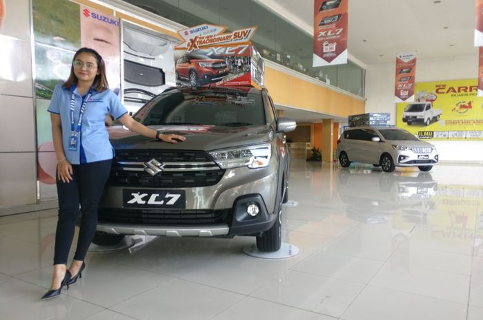 Ilustrasi Suzuki XL7 dan Suzuki Ertiga