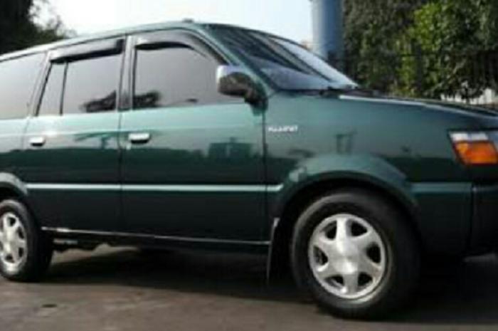 Mobil kijang kapsul diesel bekas
