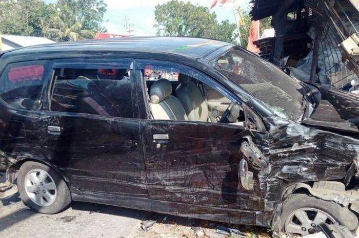 Kendaraan ringsek akibat kecelakaan yang terjadi di Jalan Magelang km 17, Ngebong, Margorejo, Tempel, Sleman pukul 14.15, Rabu (19/08/2020)
