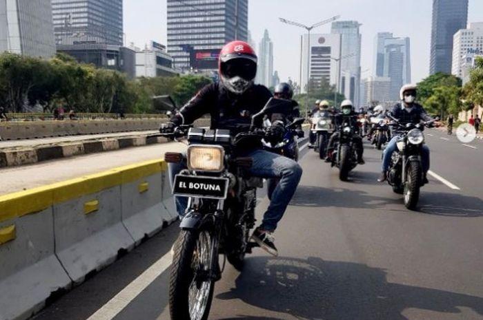 Desta pamer Yamaha RX-King di depan bikers Harley-Davidson