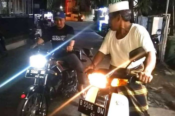Ustaz Yusuf Mansur geber-geber Yamaha RX-King bareng mertua, KH Abdurrohim.
