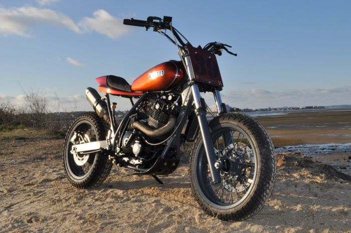 Suzuki DR650 Djebel street tracker