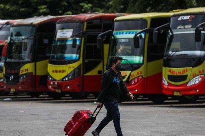 ilustrasi mudik Lebaran menggunakan bus.
