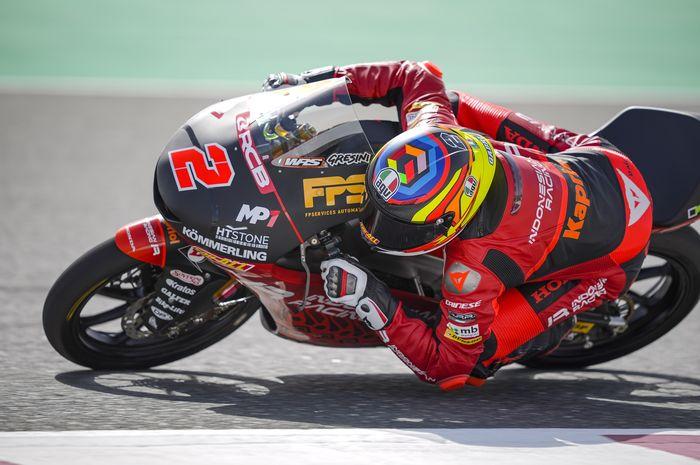 Gabriel Rodrigo (Indonesian Racing Gresini Moto3) masuk tiga besar FP3 Moto3 Qatar 2021.