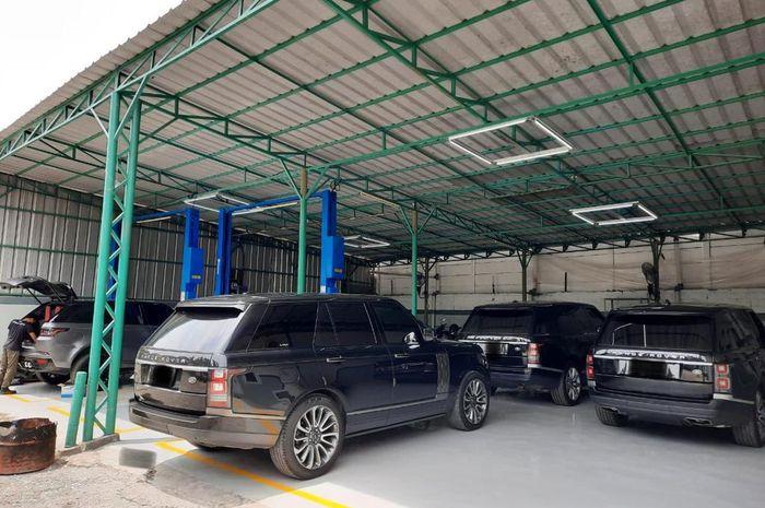 Bengkel spesialis Land Rover dan Jaguar, Hanggar 17 di Jakarta Selatan