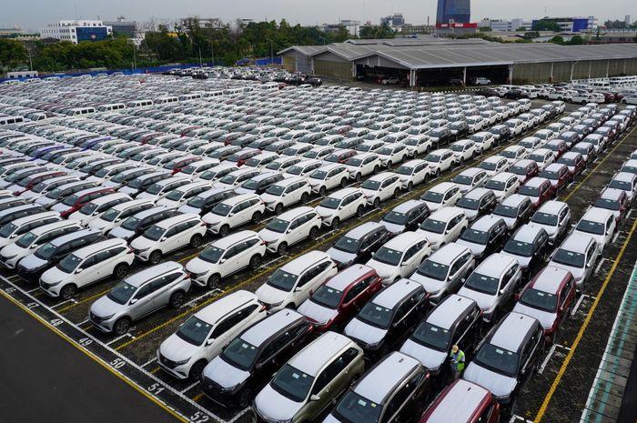 (Ilustrasi) Jejeran produk Astra Daihatsu Motor di fasilitas logistik