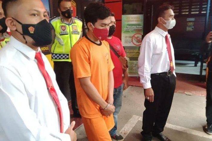 Pelaku begal dan melukai driver taksi online di Kota Bandung diringkus satreskrim Polrestabes Bandung.