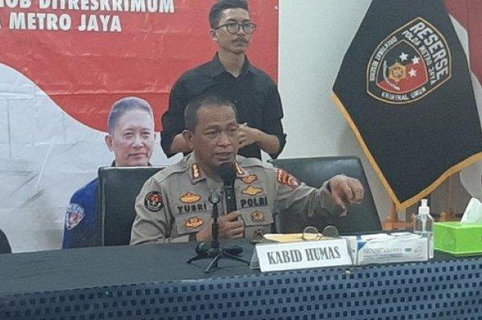 Kabid Humas Polda Metro Jaya Kombes Yusri Yunus saat memberikan keterangan tentang Operasi Ketupat Jaya di Polda Metro Jaya, Selasa (4/5/2021).