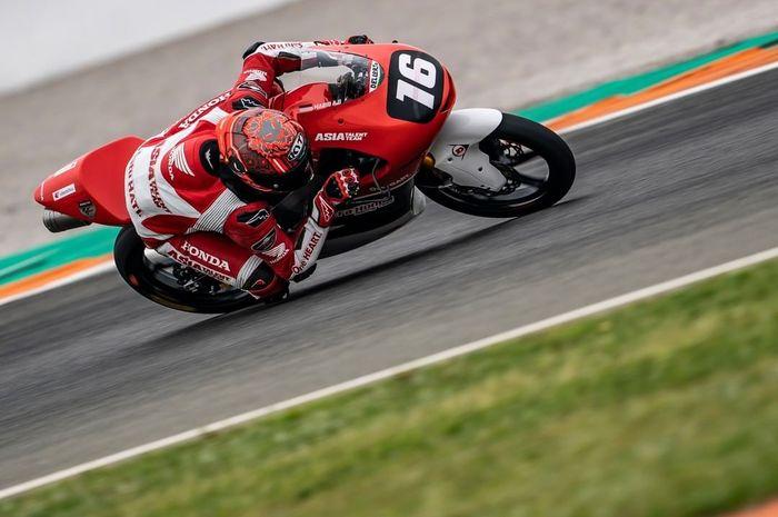 Mario Suryo Aji sempat melakukan start yang buruk pada balapan pertama CEV Moto3 Valencia 2021.