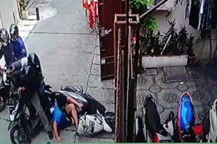 Tangkapan layar rekaman CCTV aksi perampokan uang Rp 25 juta dengan menggunakan senjata api di Jalan Pademangan III Gang 18, Pademangan Timur, Pademangan, Jakarta Utara