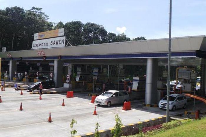 Arus kendaraan masuk ke Kabupaten Semarang, Jawa Tengah turun 10 persen lebih saat larangan mudik Lebaran 2021 berlaku.