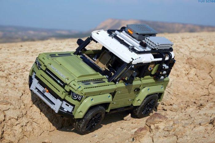 OtoToys LEGO Land Rover Defender