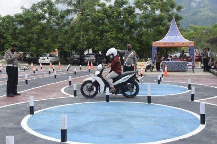 Ilustrasi Ujian praktik boleh pakai motor sendiri