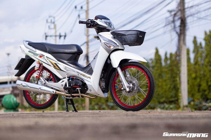 Modifikasi Honda Wave 125 alias Supra X 125 generasi pertama