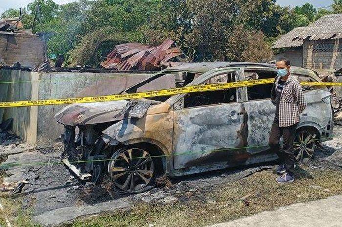 Daihatsu Terios tahun 2021 ikut hangus saat kebakaran terjadi menghanguskan 12 kamar kos