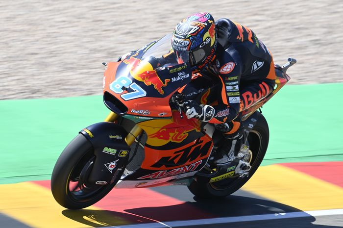 Remy Gardner memenangkan balap Moto2 Jerman dan membuatnya makin perkasa di puncak klasemen.