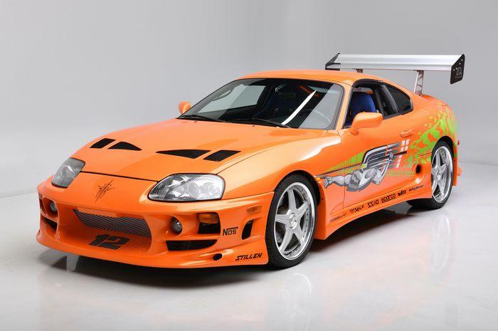 Toyota Supra lansiran 1994 yang pernah dikemudikan mendiang Paul Walker laku terjual dengan harga fantastis.